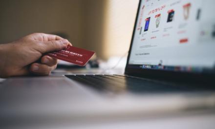 Danskerne bruger flere og flere penge online